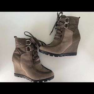 Guess Wedge Ankle Boots size7